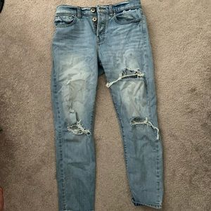 Light wash ripped denim jeans
